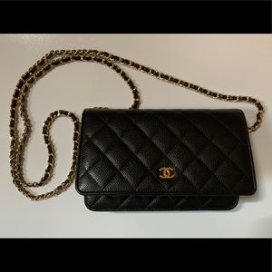 NWOT Chanel Quilted Black/Gold Wallet on Chain